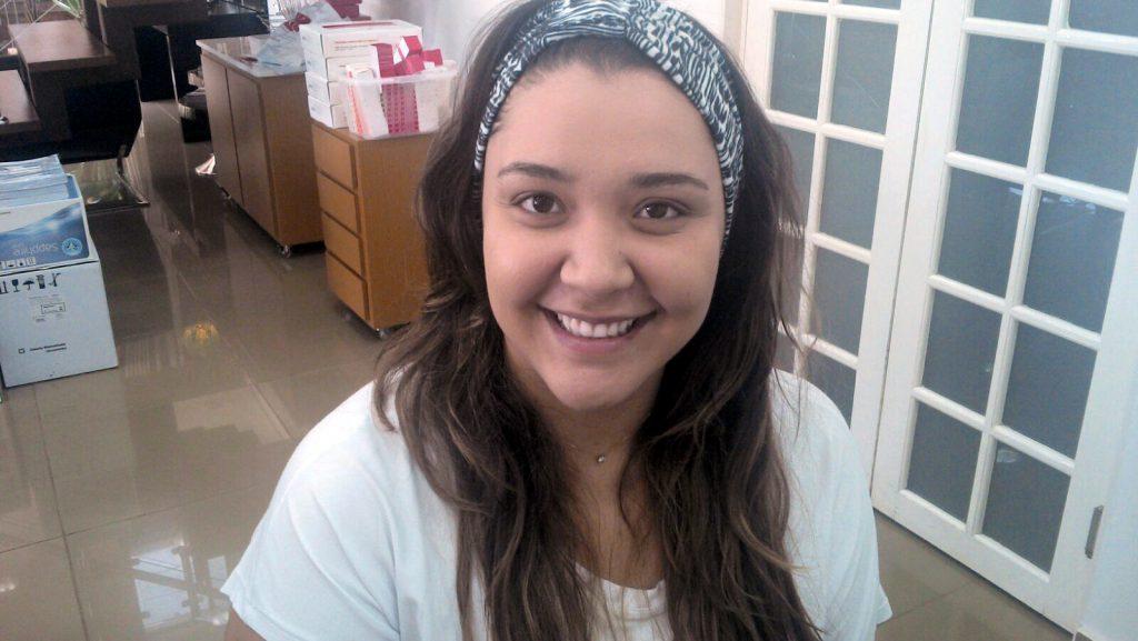 Mariana Tremeschin do blog Se Liga Plus visita à ADCOS Ribeirão